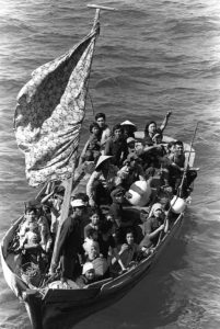 https://commons.wikimedia.org/wiki/File:35_Vietnamese_boat_people_2.JPEG
